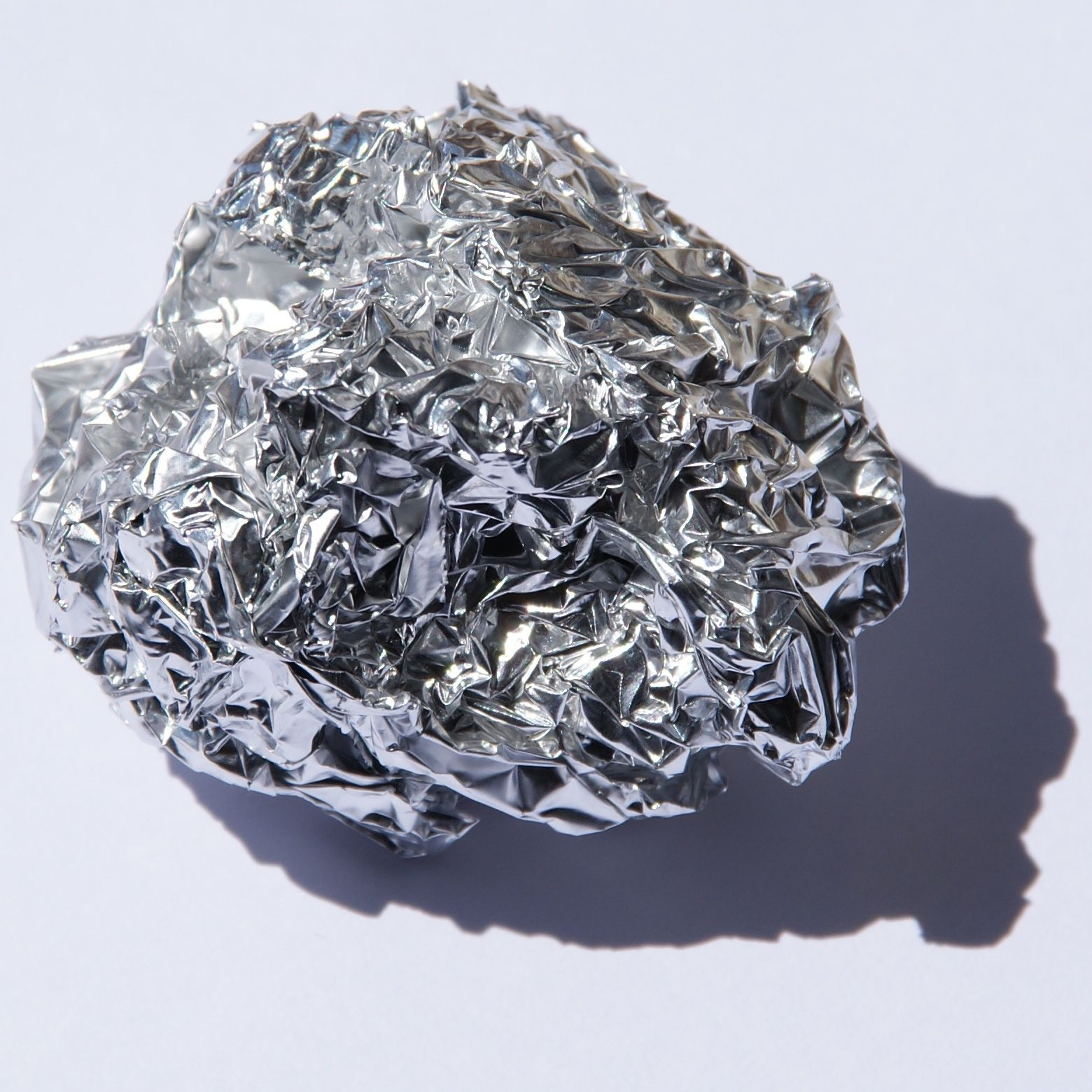 Soiled aluminium foil recycled into catalyst